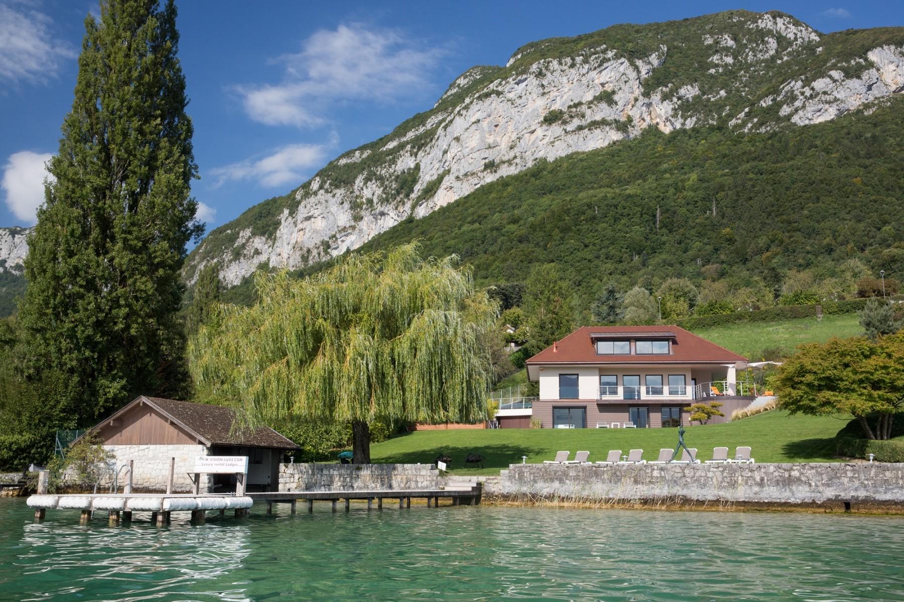 Villas a veyrier du lac villa bagatelle pour 10 personnes for Annecy location maison