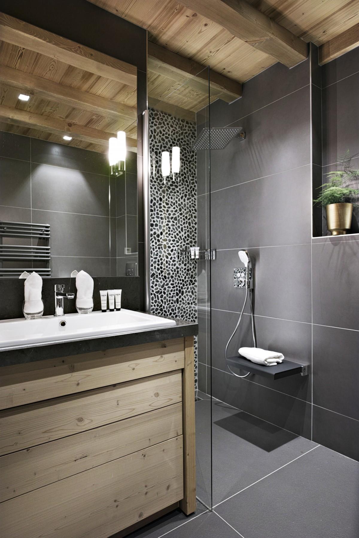 Awesome Salle De Bain Chalet De Luxe Contemporary - House Design ...