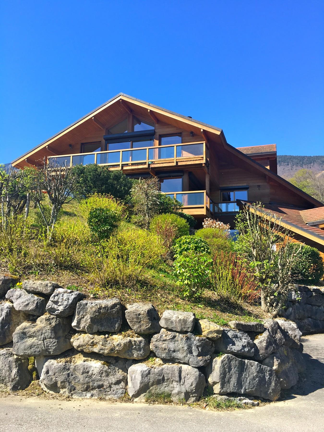 Maisons a saint jorioz st jorioz maison bois avec for Maison bois avec piscine