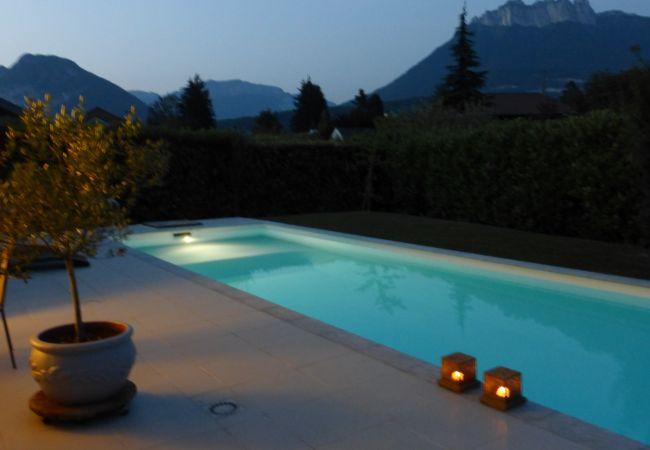 Maison à Saint-Jorioz - ST JORIOZ - Pool, Art & View. House near lake