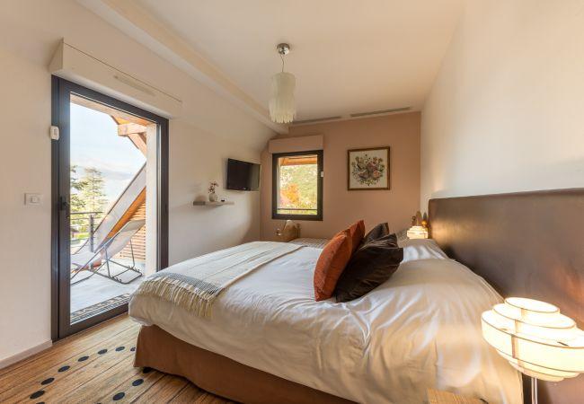 Apartment in Talloires - Talloires, le PORT. Duplex 5 pers.