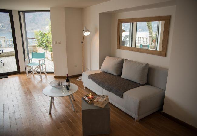 Apartment in Duingt - LES LIBELLULES - UNIQUE : Accès direct au Lac !