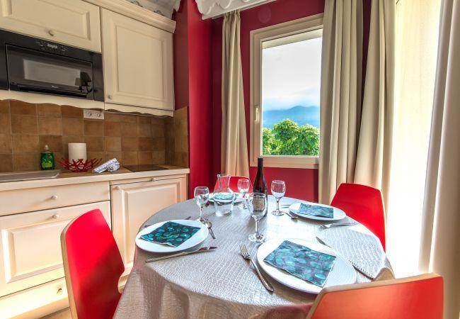 Apartment in Duingt - BAIE DES VOILES - #102 Vue lac & Château 1 chambre