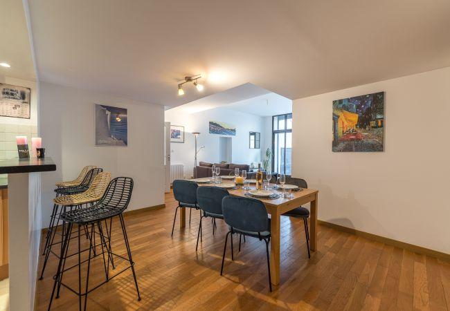 Apartment in Duingt - Les LIBELLULES-  Rez de lac, accès direct privatif